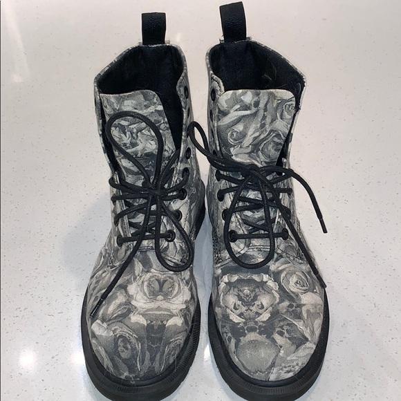 Dr Martens Black Core Beckett Skull & Roses Boots